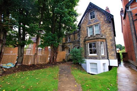 1 bedroom apartment to rent - Waterden Road