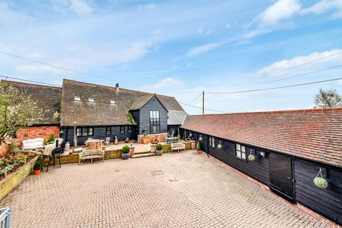 5 bedroom barn conversion for sale - Woodham Ferrers