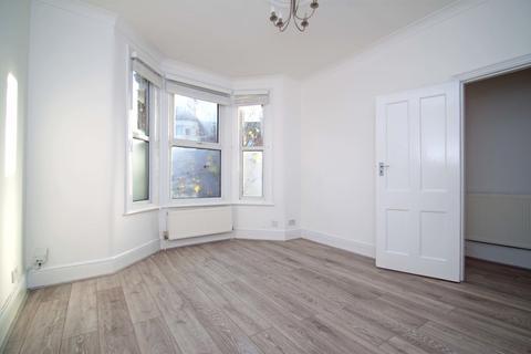 4 bedroom terraced house to rent - Graham Road, Tottenham, N15