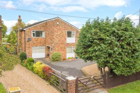 4 bedroom detached house for sale - Chinnor Road, Bledlow, Princes Risborough, Buckinghamshire, HP27