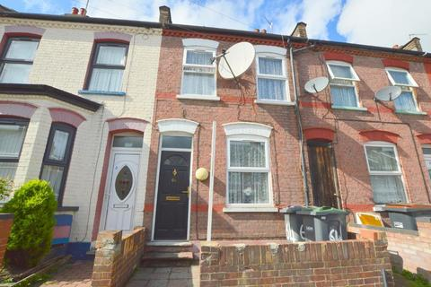 3 bedroom terraced house for sale - Malvern Road, Dallow Road Area, Luton, Bedfordshire, LU1 1LQ