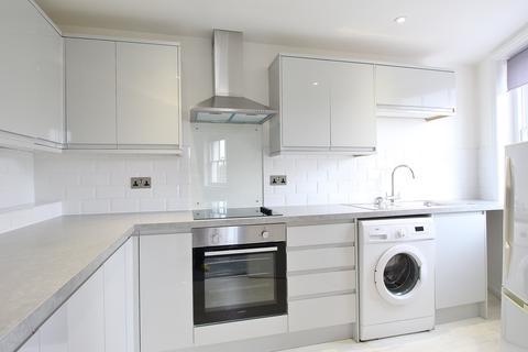 3 bedroom flat to rent - Queens Circus, Montpellier, Cheltenham