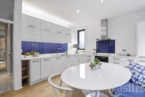 2 bedroom maisonette for sale - North View Road, N8