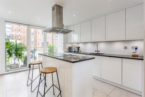 3 bedroom apartment for sale - Holland Gardens | Kew Bridge