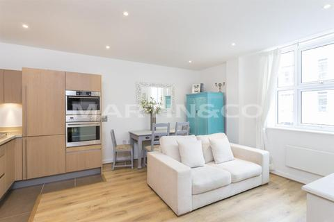 2 bedroom apartment to rent - Bromyard House,Bromyard Avenue