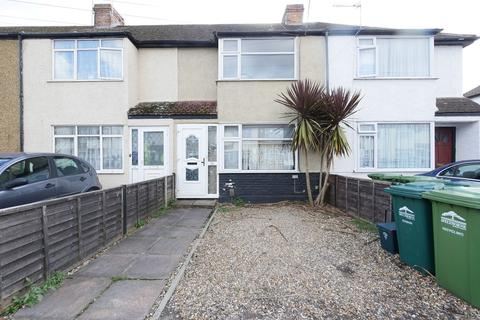 3 bedroom terraced house - Cranford Avenue, Stanwell, TW19
