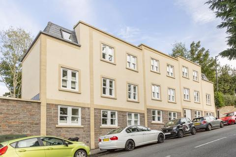 2 bedroom flat to rent - Hampton Road, Bristol, BS6 6HJ