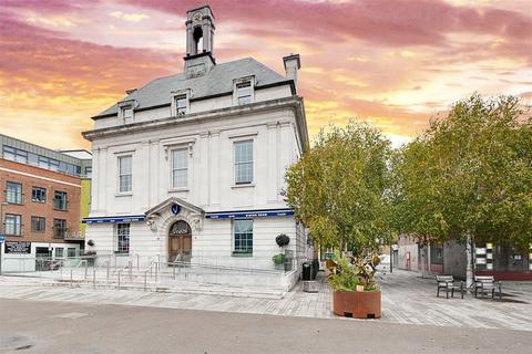3 bedroom apartment for sale - Magistrates House, Market Place, Brentford