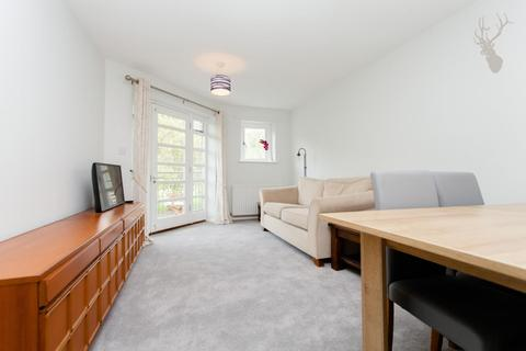 2 bedroom flat to rent - Hornbeam Square, Bow, London