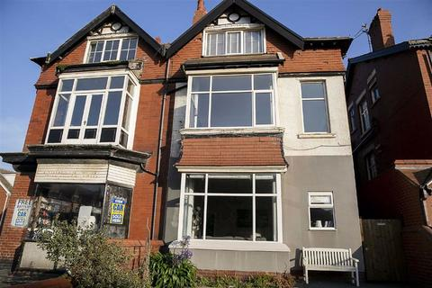 3 bedroom apartment for sale - Derbe Road, St Annes On Sea
