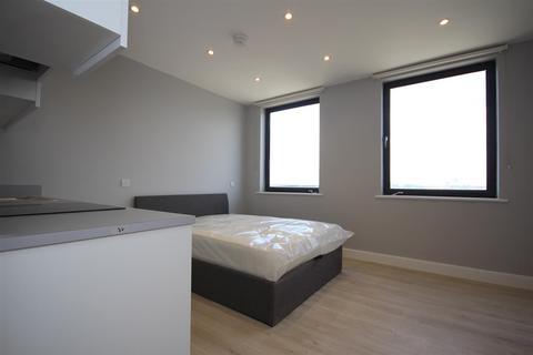 Studio to rent - Neasden Lane, Neasden, NW10 1PH