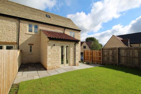 4 bedroom end of terrace house for sale - Ketton