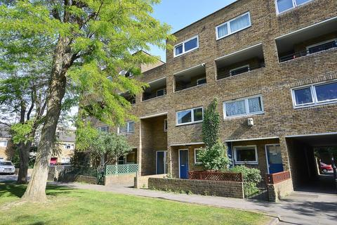 2 bedroom flat to rent - Turenne Close, Wandsworth, London, SW18