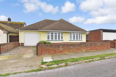3 bedroom bungalow for sale - Lauriston Mount, Broadstairs, Kent