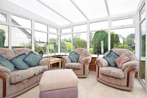 3 bedroom detached bungalow - Lauriston Mount, Broadstairs, Kent