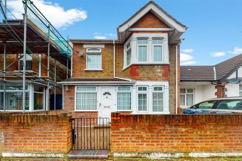 5 bedroom detached house for sale - Ellison Gardens , Southall , UB2 4EW