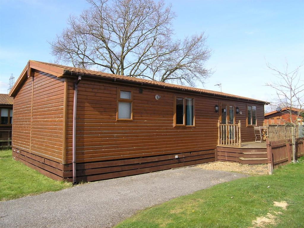 3 Bedrooms Park Home Mobile Home for sale in Hull Road, Wilberfoss, York