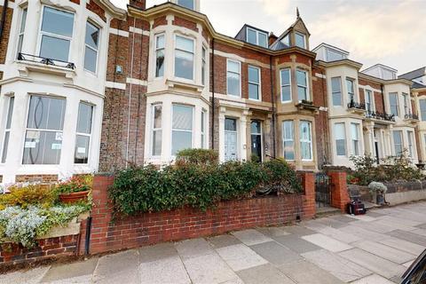 2 bedroom flat to rent - Beverley Terrace, Cullercoats, NE30 4NU