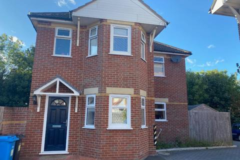 4 bedroom detached house for sale - Tolstoi Road, Poole