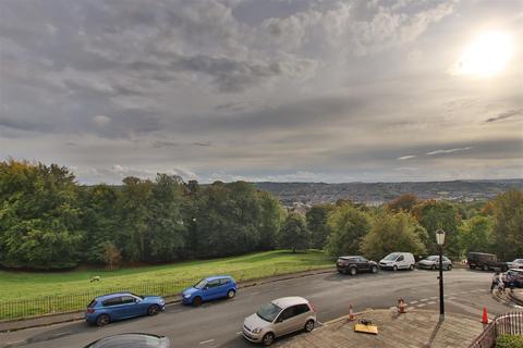 2 bedroom flat to rent - Lansdown Crescent, Bath, BA1