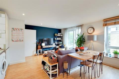 1 bedroom flat for sale - Queensgate House, 1 Hereford Road, London, E3