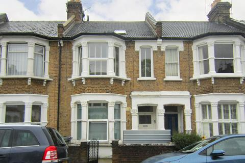2 bedroom apartment - Parkhurst Road, Bowes Park, London, N22