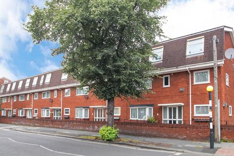 2 bedroom apartment for sale - Wycliffe Court, Urmston, Manchester, M41