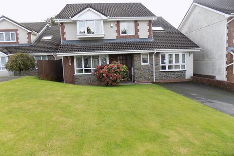 4 bedroom detached house for sale - The Meadows, Cimla, Neath, Neath Port Talbot. SA11 3XF