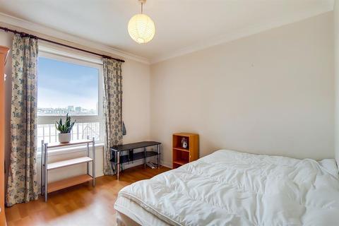 2 bedroom flat to rent - Homer Drive, London, E14 3UJ