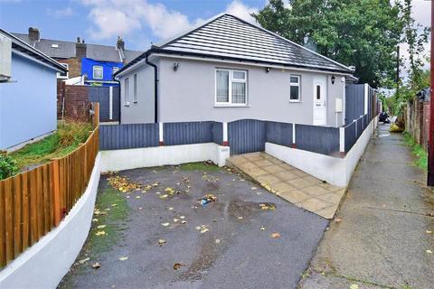 2 bedroom detached bungalow - St. Johns Road, Upper Gillingham, Kent