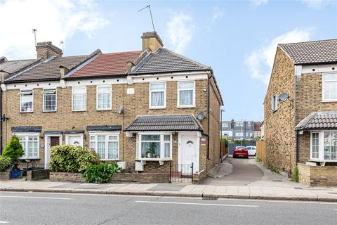 2 bedroom end of terrace house for sale - Newbury Cottages, Ley Street, Ilford, IG2
