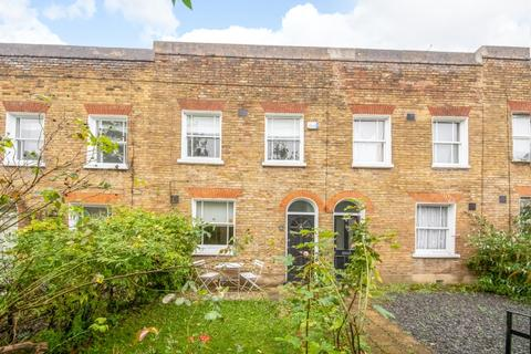 2 bedroom cottage for sale - Brighton Grove London SE14