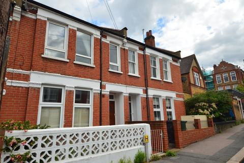 3 bedroom maisonette to rent - Kingswood Road, Brixton Hill SW2