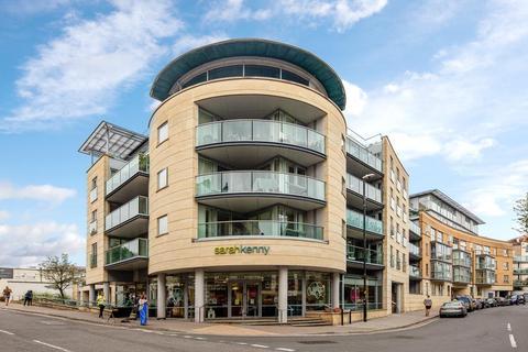 2 bedroom flat for sale - North Contemporis, 20 Merchants Road, Bristol, BS8