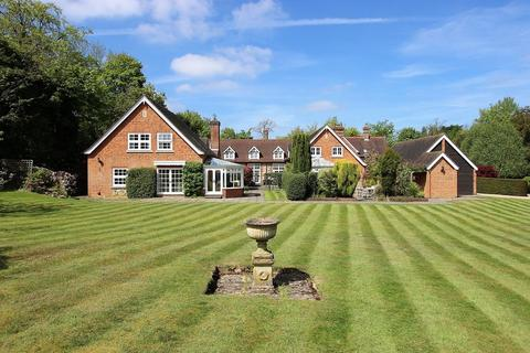 3 bedroom terraced house for sale - High Road, Chipstead