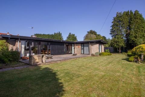 4 bedroom detached bungalow for sale - Lavernock Road, Penarth