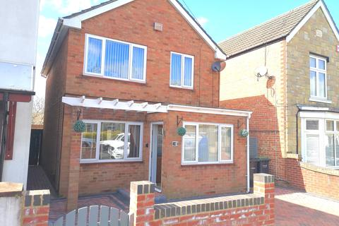 3 bedroom detached house for sale - Hartington Road, Gosport PO12