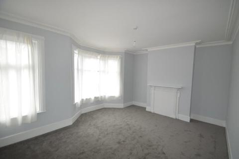 2 bedroom flat to rent - Gloucester Road, London, N17