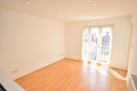 2 bedroom flat to rent - St Andrews Road South, Lytham St Annes, FY8
