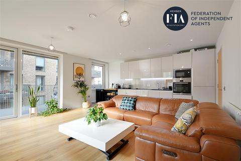 2 bedroom apartment for sale - Isambard Court, Brentford Lock West, Brentford