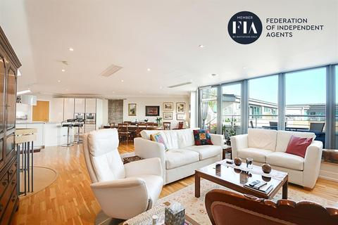 3 bedroom penthouse for sale - Moorings House, Tallow Road, Brentford