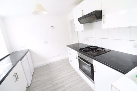 2 bedroom flat to rent - Two bedroom Brendan Avenue  - Ref:P10661