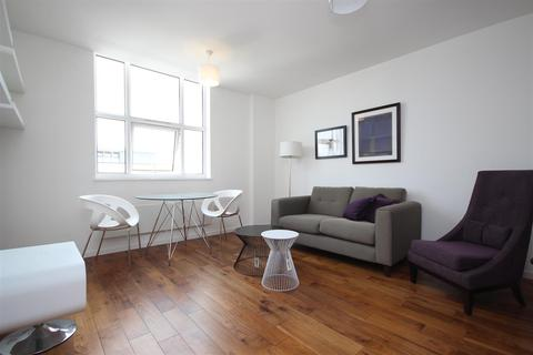 1 bedroom flat to rent - Bromyard Avenue, Acton W3 7BS