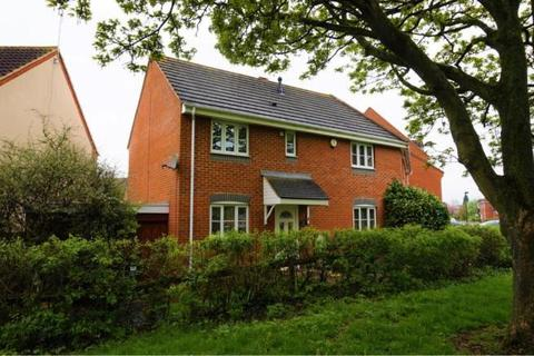 3 bedroom semi-detached house for sale - Winton Road, Stratton, Swindon