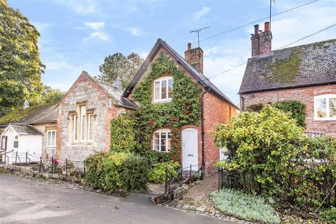 2 bedroom house for sale - High Street, Avebury, Wiltshire