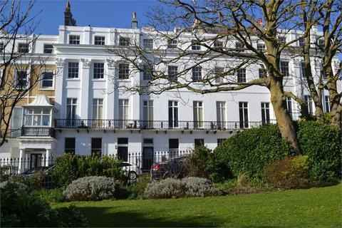 1 bedroom apartment - Sussex Square, BRIGHTON
