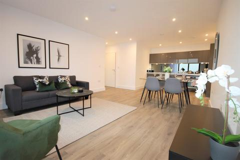 2 bedroom apartment to rent - Sandown House, High Street, Staines-Upon-Thames, TW18