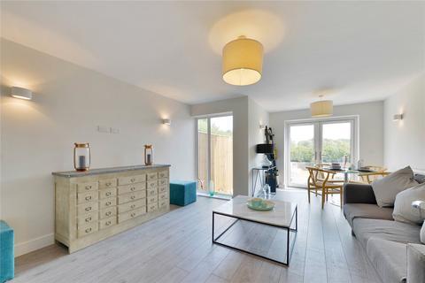 3 bedroom semi-detached house for sale - Main Road, Sutton At Hone, DA4