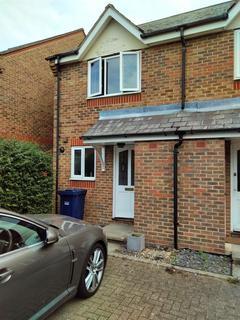 2 bedroom terraced house to rent - Earl Close, Friern Barnet, N11