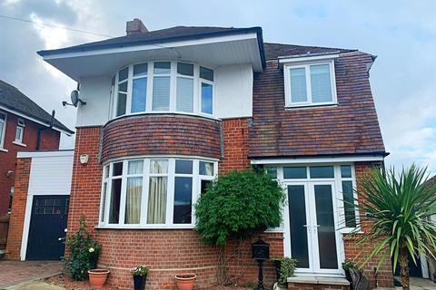 3 bedroom detached house for sale - St. Georges Avenue, Weymouth